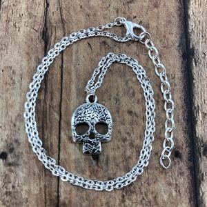 Jewelry - Silver Sugar Skull Pendant Necklace